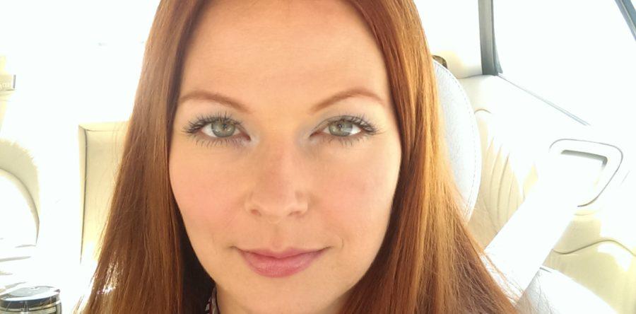 A Make Up Show With Make Up Artist Riku Campo Anna Easteden border=